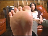 【CF】足裏を見せる女 #066