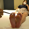 Kotone tickling the soles of the feet